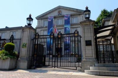 千代田区一番町にある英国大使館の正面